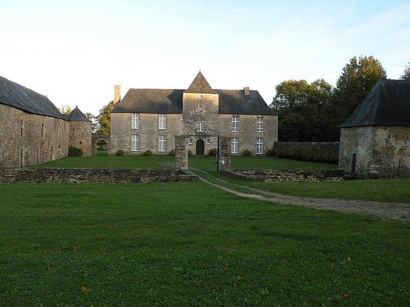 Photo du Monument Historique Manoir de la Cour situé à Théhillac