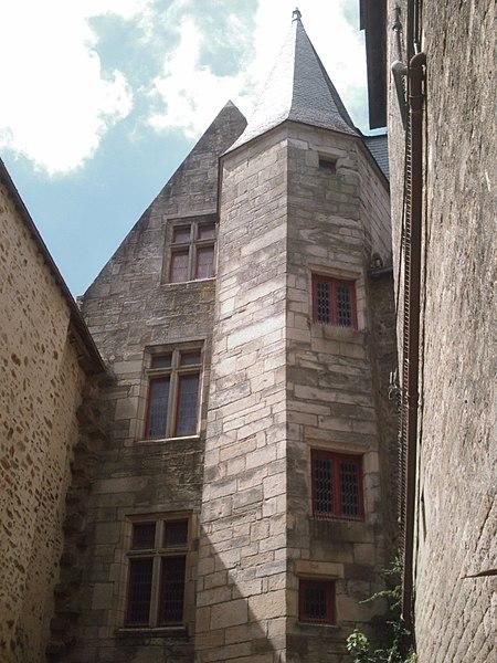 Photo du Monument Historique Ancien hôtel du Parlement de Bretagne, dit Château-Gaillard situé à Vannes