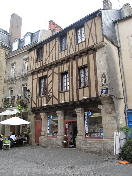 Photo du Monument Historique Maison dite de Saint-Vincent situé à Vannes