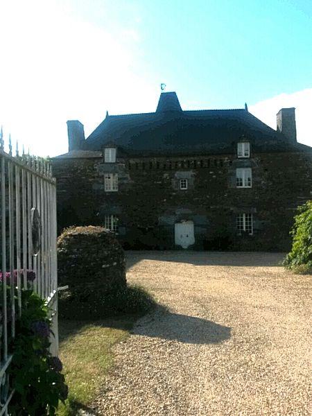 Photo du Monument Historique Manoir de Balangeard, au hameau de la Rivière situé à Ruffiac