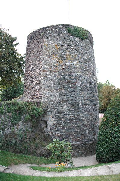 Photo du Monument Historique Remparts situé à Ploërmel