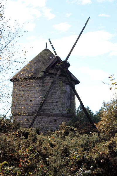 Photo du Monument Historique Moulin à vent des Timbrieux situé à Cruguel
