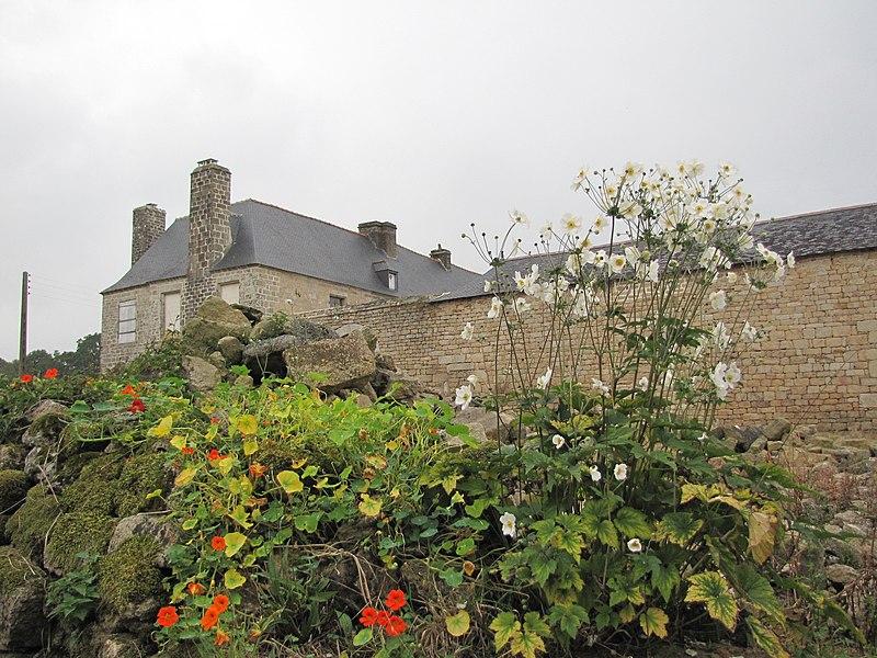 Photo du Monument Historique Manoir de Saint-Quijeau situé à Lanvénégen
