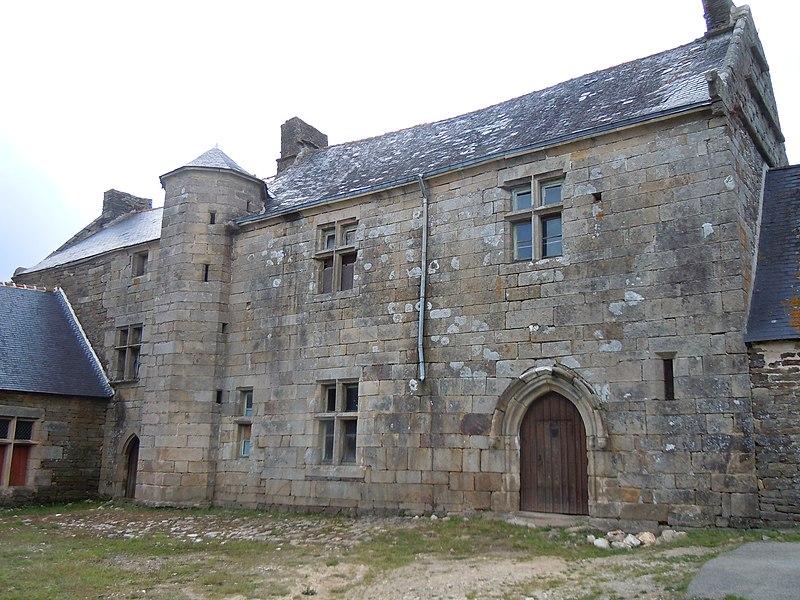 Photo du Monument Historique Manoir et calvaire de Minguionnet situé à Gourin