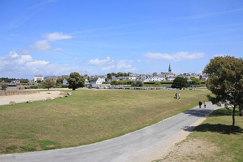 Photo du Monument Historique Fortifications de la ville : Esplanades des Pâtis et du Bois d'Amour situé à Port-Louis