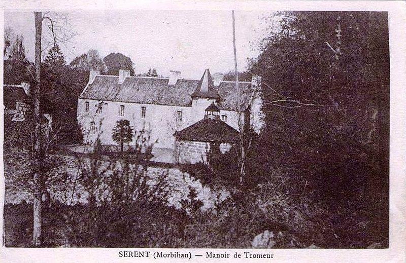 Photo du Monument Historique Manoir de Tromeur situé à Sérent