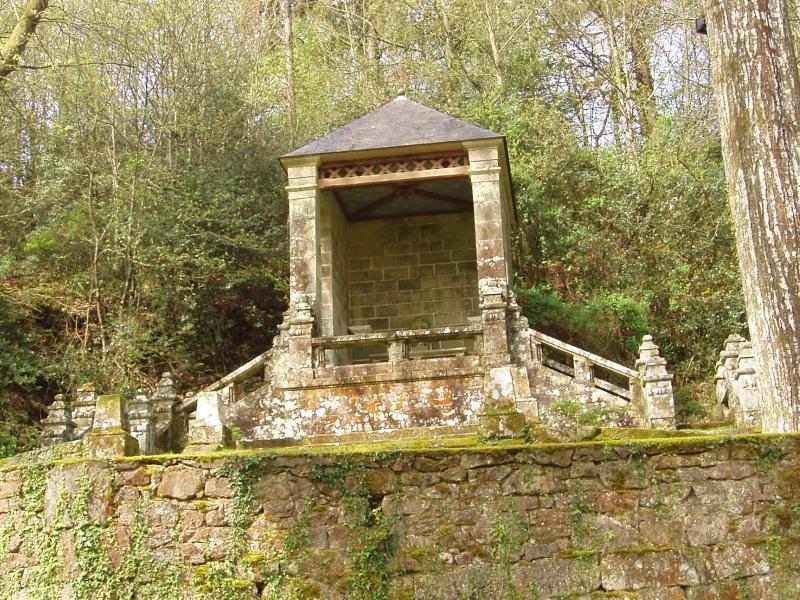 Photo du Monument Historique Chapelle Notre-Dame du Guelhouit situé à Melrand