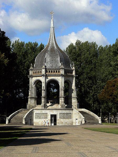 Photo du Monument Historique Mémorial des Bretons morts pour la France pendant la Première guerre mondiale situé à Sainte-Anne-d'Auray
