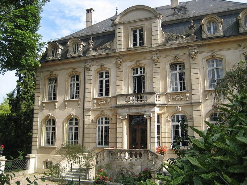 Photo du Monument Historique Château de Chahury situé à Châtel-Saint-Germain