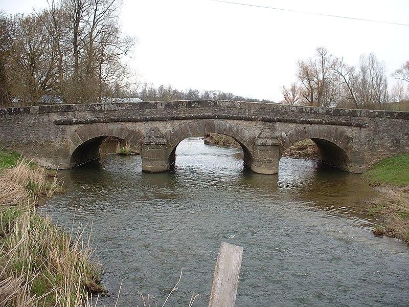 Photo du Monument Historique Pont sur le Landbach situé à Dolving