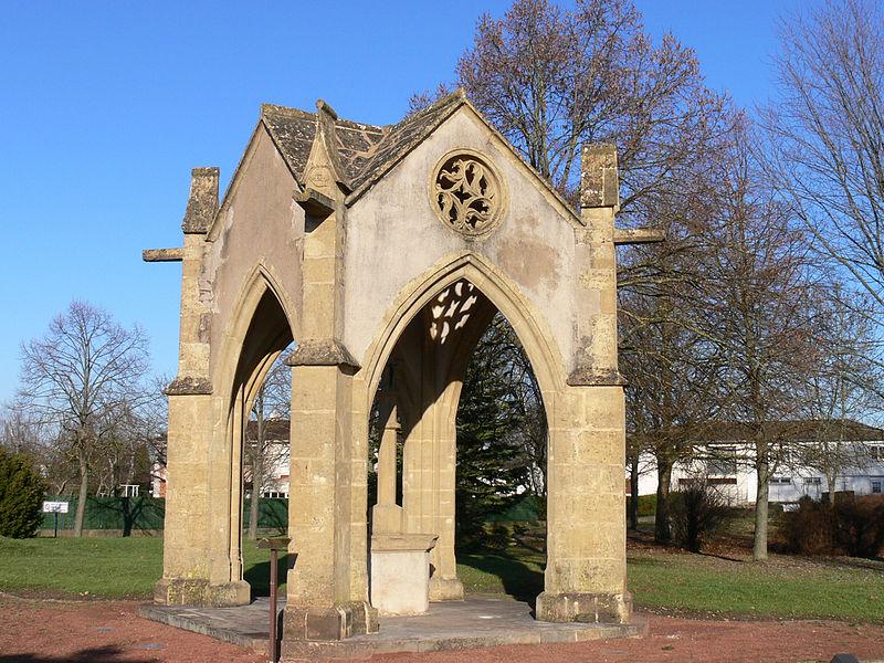 Photo du Monument Historique Edifice dit Belle-Croix d'Ennery situé à Ennery