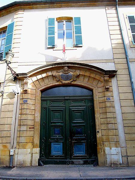 Photo du Monument Historique Ancienne caserne du Cloître, lycée de garçons situé à Metz
