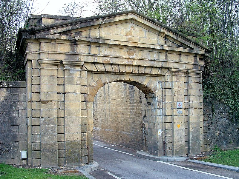 Photo du Monument Historique Fortifications situé à Metz