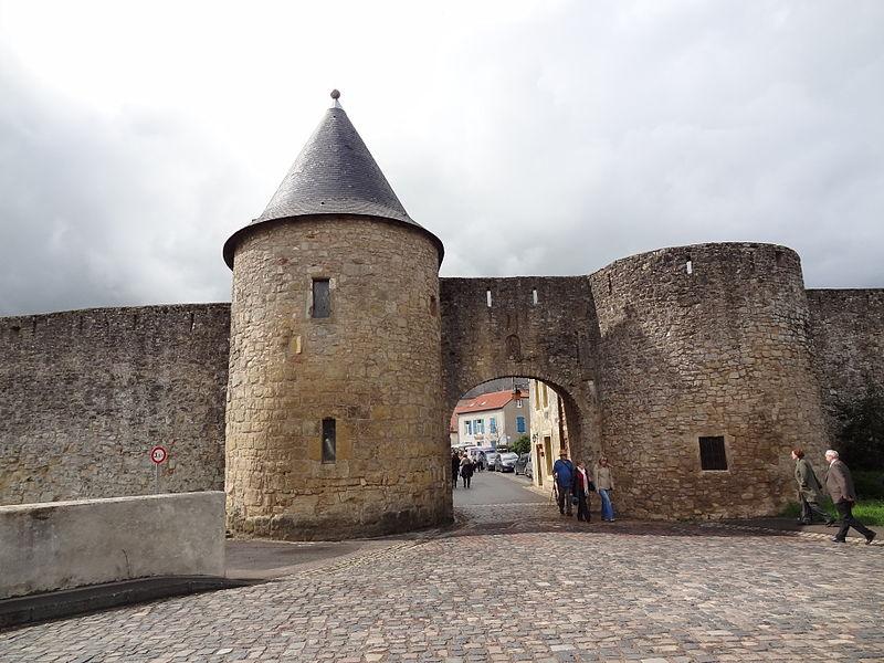 Photo du Monument Historique Anciennes fortifications situé à Rodemack
