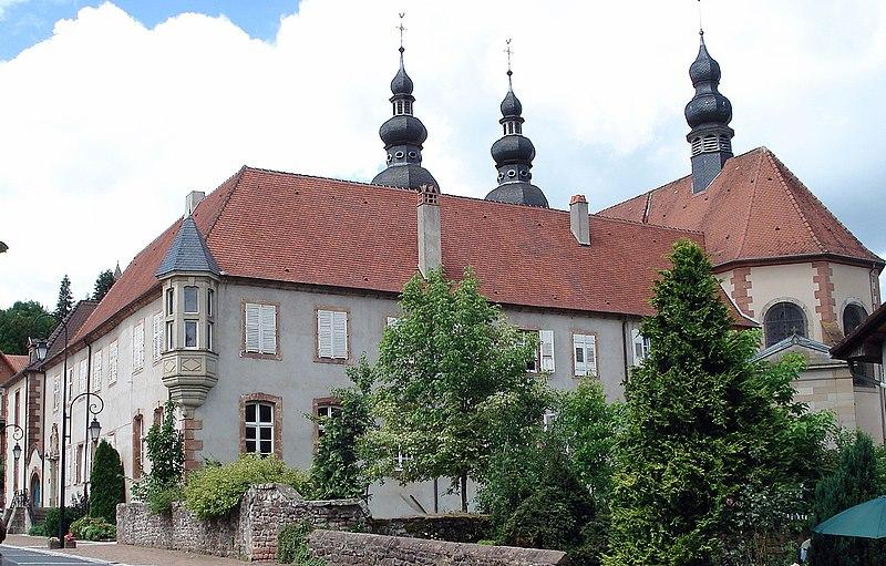 Photo du Monument Historique Ancien prieuré situé à Saint-Quirin