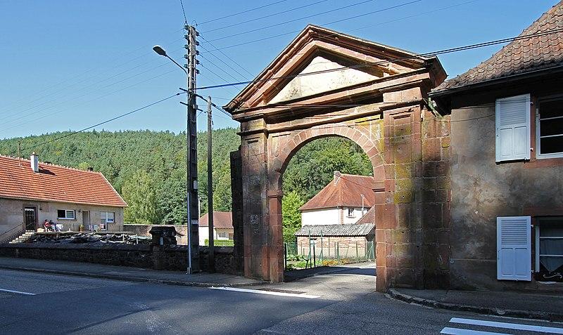 Photo du Monument Historique Abbaye (vestiges) situé à Sturzelbronn