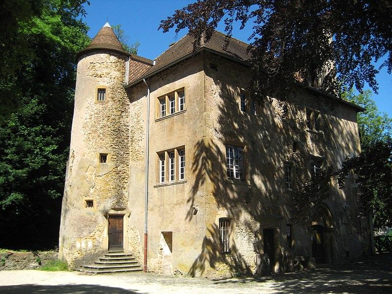 Photo du Monument Historique Château de Volkrange et ses communs situé à Thionville