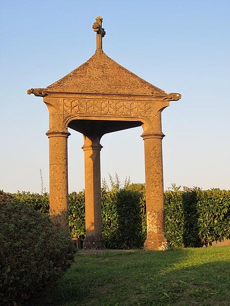 Photo du Monument Historique Croix de Louve situé à Vany