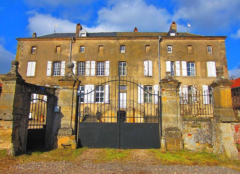 Photo du Monument Historique Château situé à Charleville-sous-Bois
