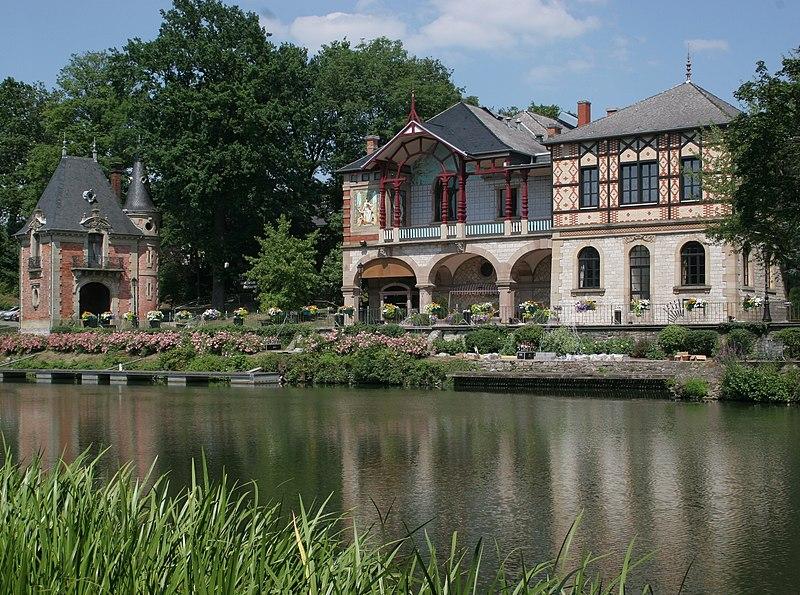 Photo du Monument Historique Casino de la Faïencerie situé à Sarreguemines