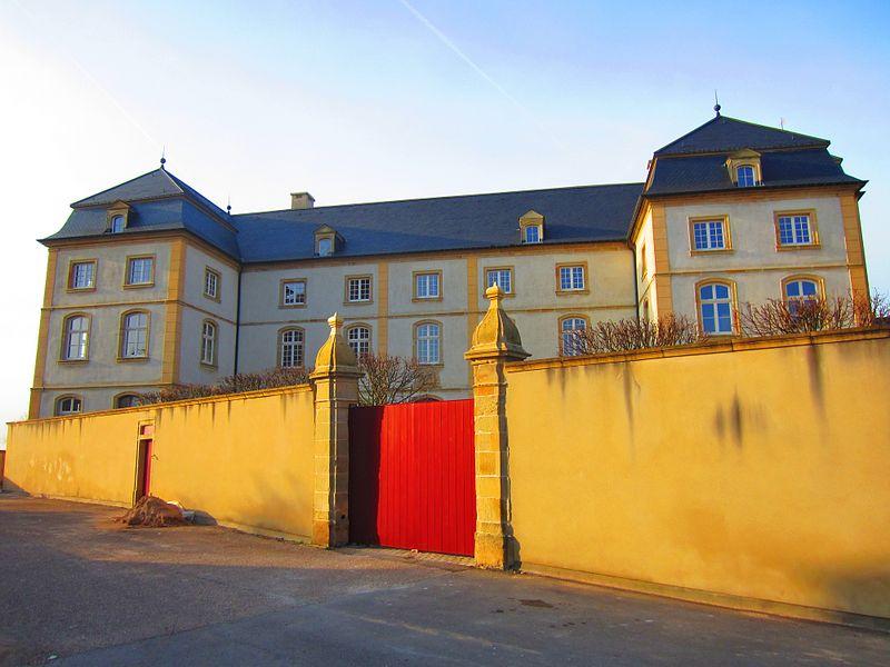 Photo du Monument Historique Ancienne résidence des abbés d'Echternach situé à Berg-sur-Moselle