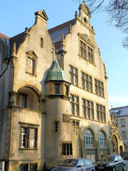 Photo du Monument Historique École Chanteclair-Debussy situé à Metz