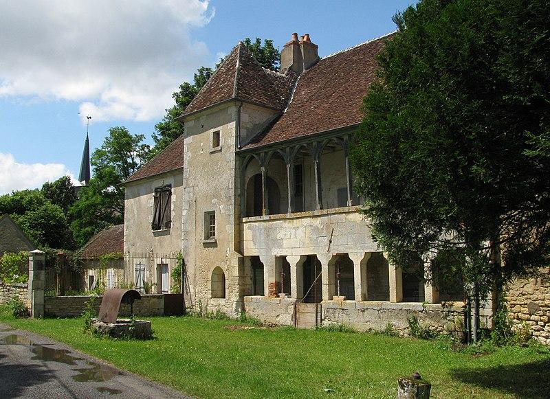 Photo du Monument Historique Manoir situé à Bulcy