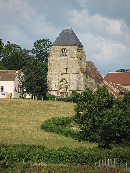 Photo du Monument Historique Eglise Saint-Hilaire situé à Challement