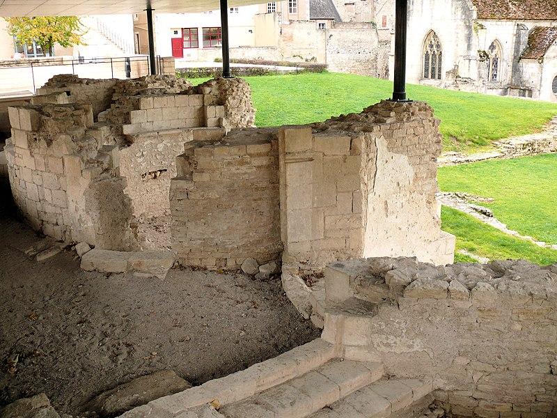 Photo du Monument Historique Eglise clunisienne Saint-Laurent situé à La Charité-sur-Loire