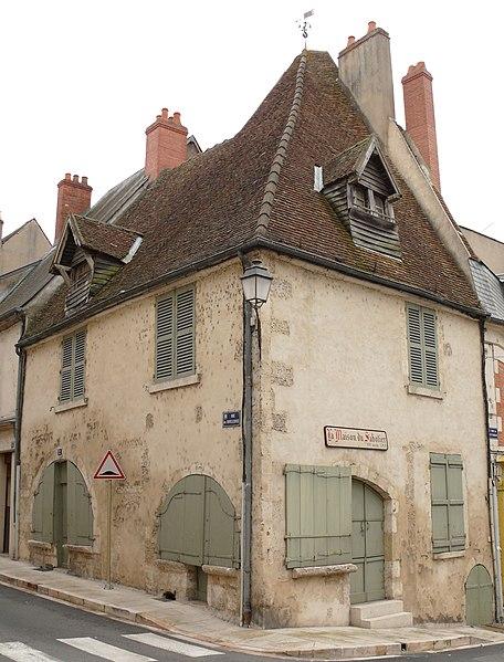 Photo du Monument Historique Maison dite du Sabotier situé à La Charité-sur-Loire