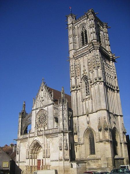 Photo du Monument Historique Eglise Saint-Martin (ancienne collégiale) situé à Clamecy