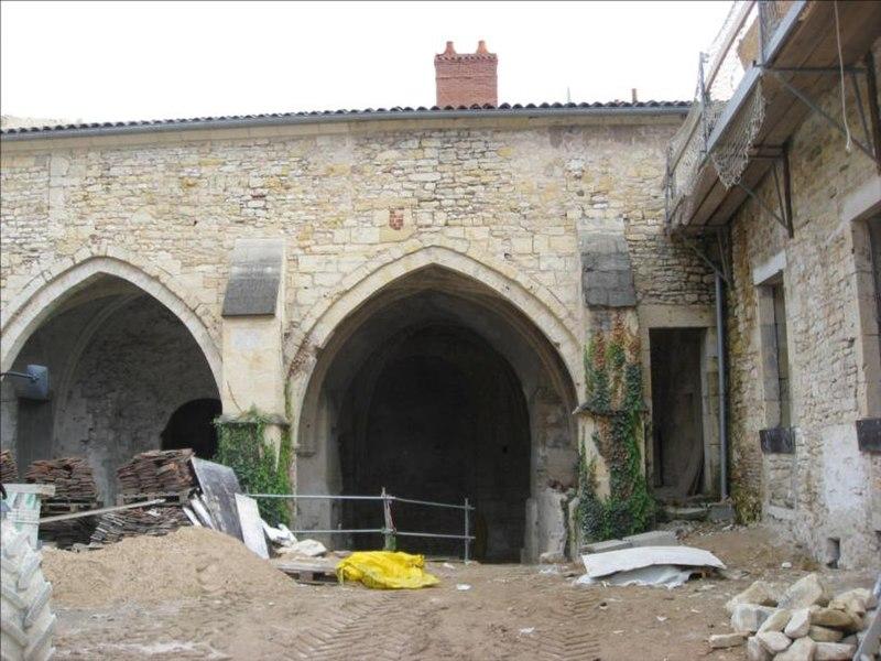 Photo du Monument Historique Abbaye Saint-Genest  ou ancienne abbaye Notre-Dame situé à Nevers