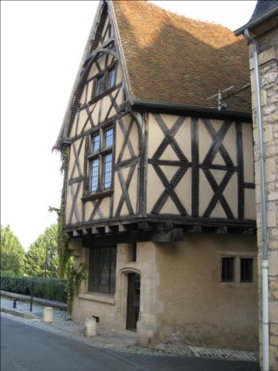 Photo du Monument Historique Maison du 15e siècle situé à Nevers
