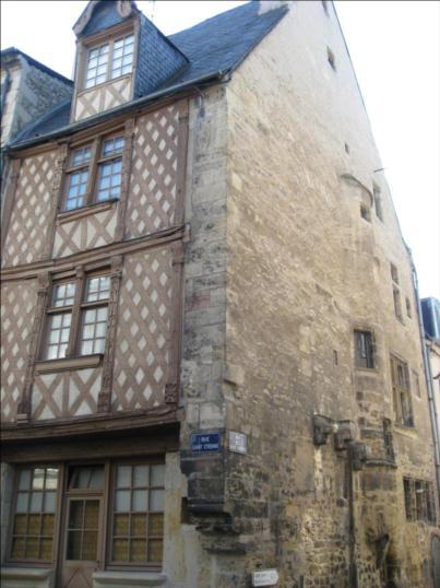 Photo du Monument Historique Maison du 16e siècle situé à Nevers