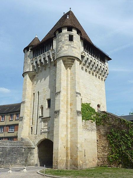 Photo du Monument Historique Porte du Croux situé à Nevers