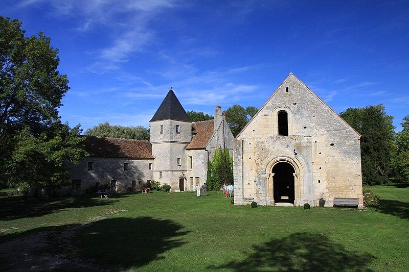 Photo du Monument Historique Commanderie de Villemoison situé à Saint-Père