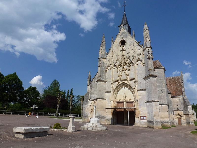 Photo du Monument Historique Eglise situé à Saint-Père