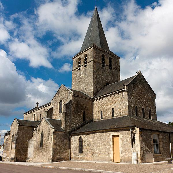 Photo du Monument Historique Eglise Saint-Pierre situé à Saint-Pierre-le-Moûtier