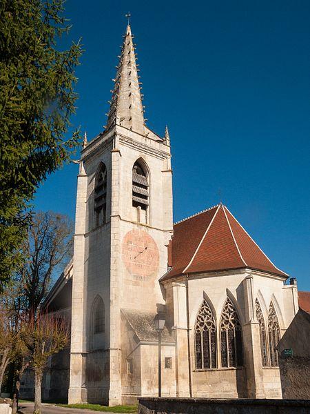 Photo du Monument Historique Eglise Saint-Martin situé à Surgy