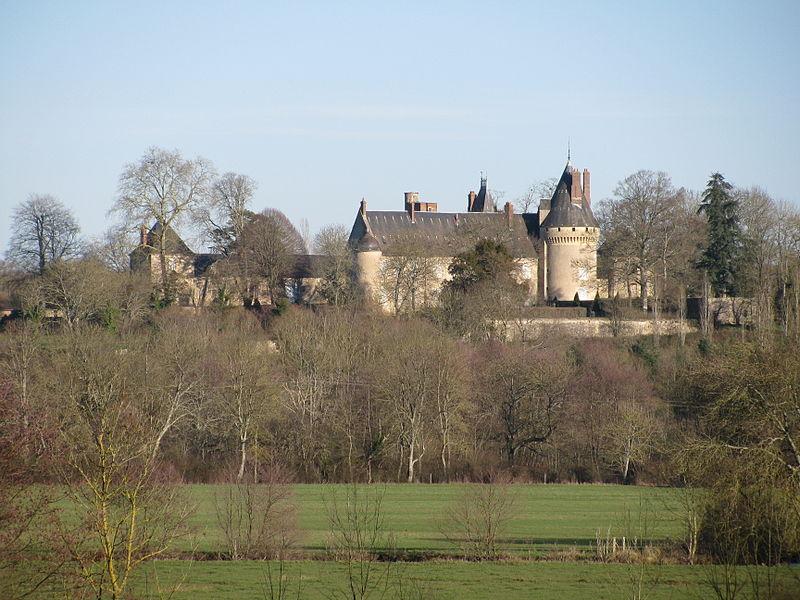 Photo du Monument Historique Château des Bordes situé à Urzy