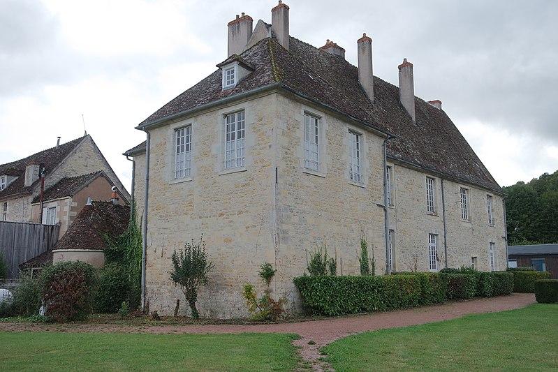 Photo du Monument Historique Château des Evêques d'Auxerre situé à Varzy