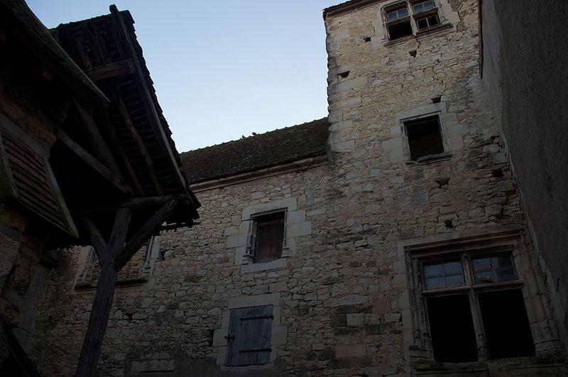 Photo du Monument Historique Hôtel de ville  et beffroi  , dits maison Guiton situé à Varzy