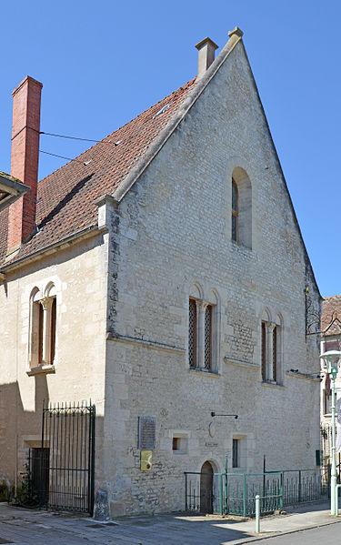 Photo du Monument Historique Palais épiscopal situé à Cosne-Cours-sur-Loire