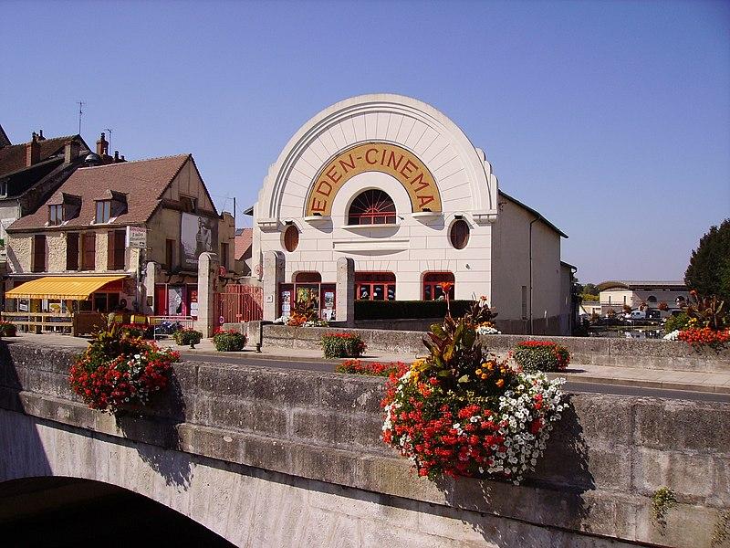Photo du Monument Historique Cinéma Eden situé à Cosne-Cours-sur-Loire