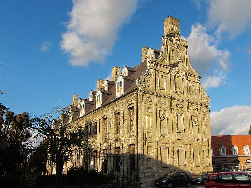 Photo du Monument Historique Ancien Mont de Piété situé à Bergues