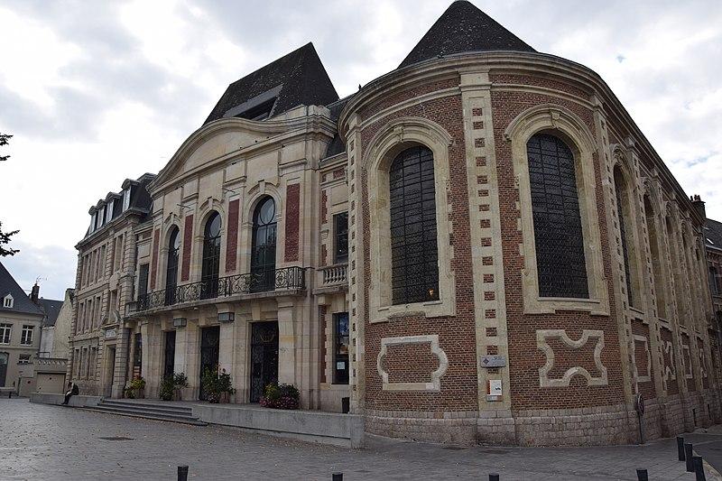 Photo du Monument Historique Ancien hôpital Saint-Julien, théâtre puis école de musique situé à Cambrai