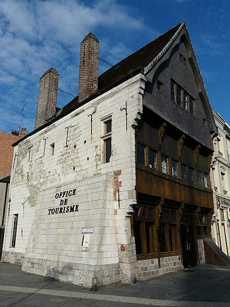Photo du Monument Historique Maison espagnole situé à Cambrai
