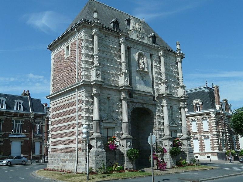 Photo du Monument Historique Porte Notre-Dame situé à Cambrai