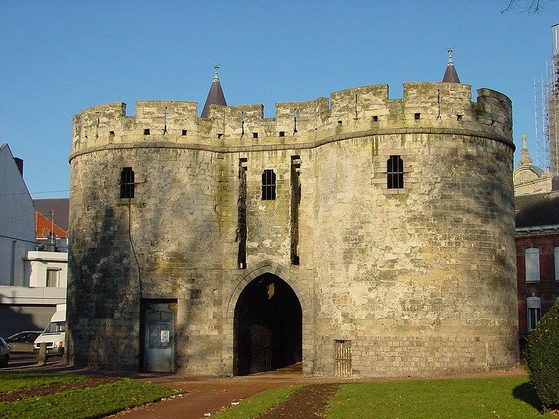 Photo du Monument Historique Porte de Paris situé à Cambrai