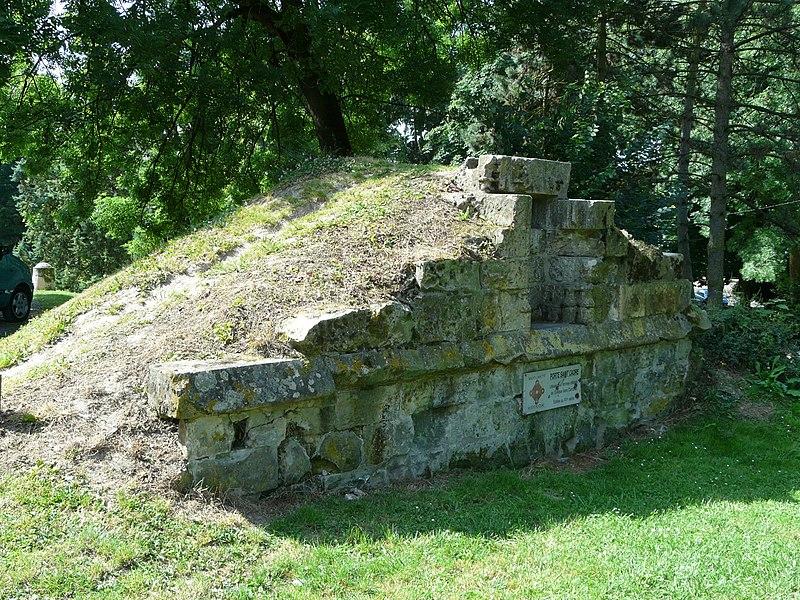 Photo du Monument Historique Porte Saint-Ladre situé à Cambrai